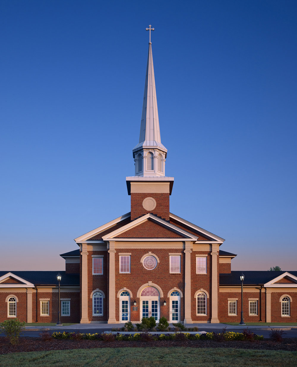 03_Hord Architects_Crossroads Baptist_Exterior - 7 in high, 300 dpi.jpg