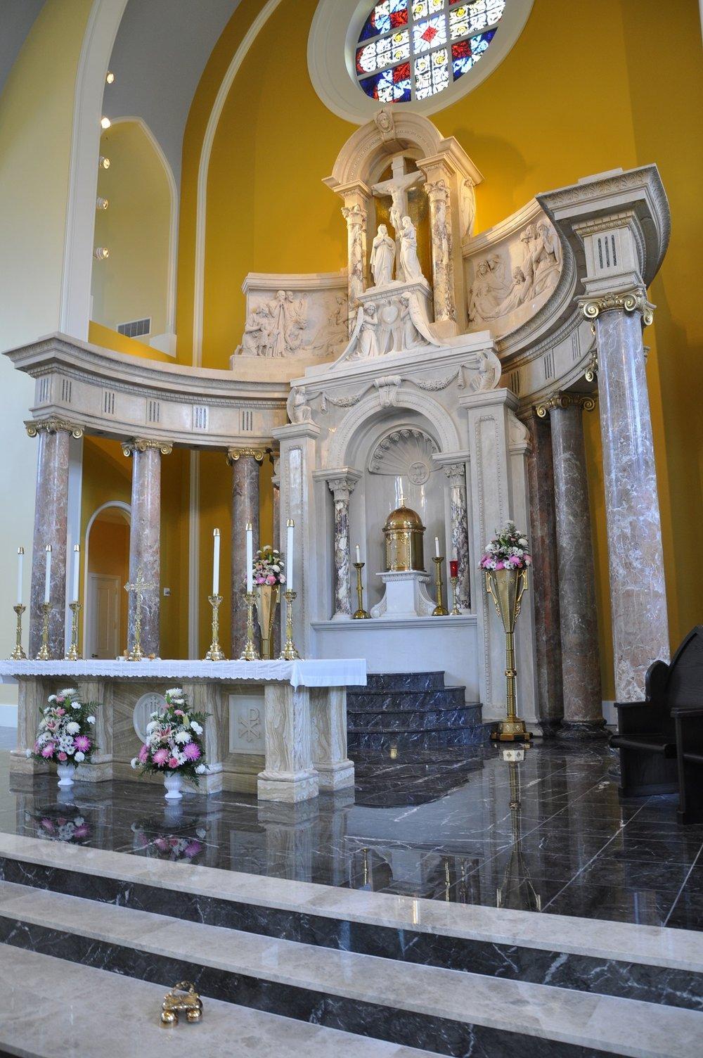 7 - Interior - Altar.jpg
