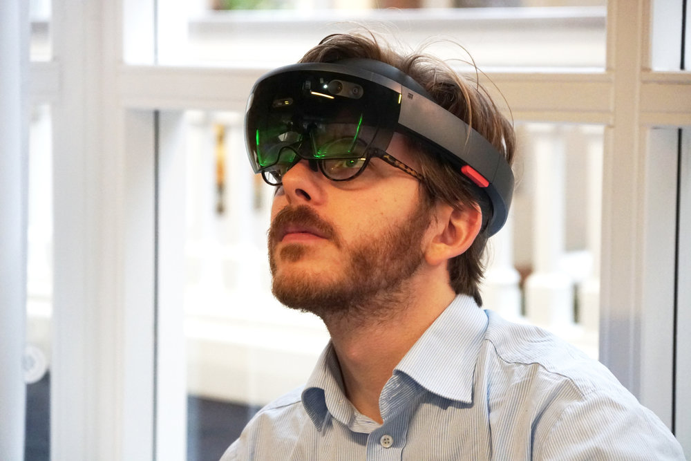 AR on the Microsoft Hololens for Workflow Optimization and Hands-free Operation.jpg