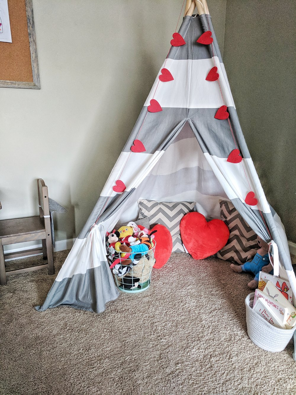 Felt Heart Banner  /  Heart Pillows  /  TeePee