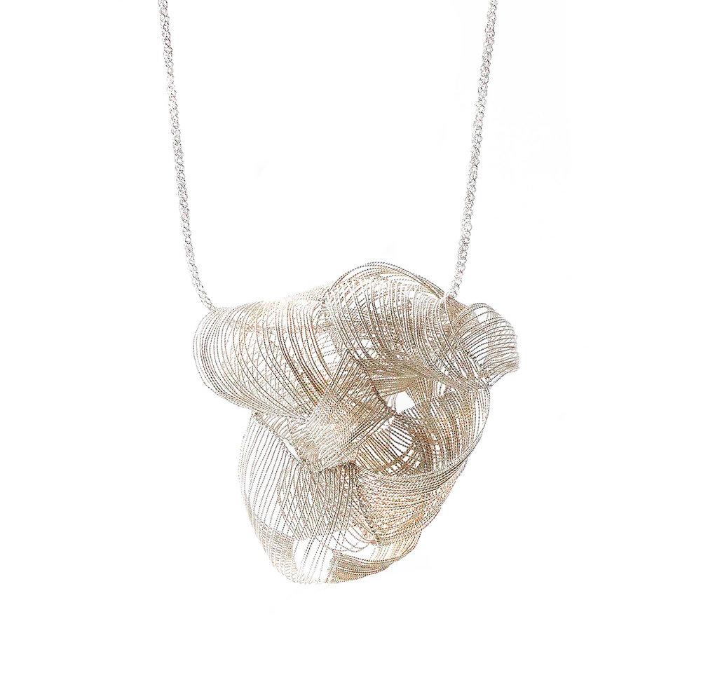 Yu Fang Chi,  Sensory Crease , 2015-2016, silver wire, 40 x 10 x 6 cm.
