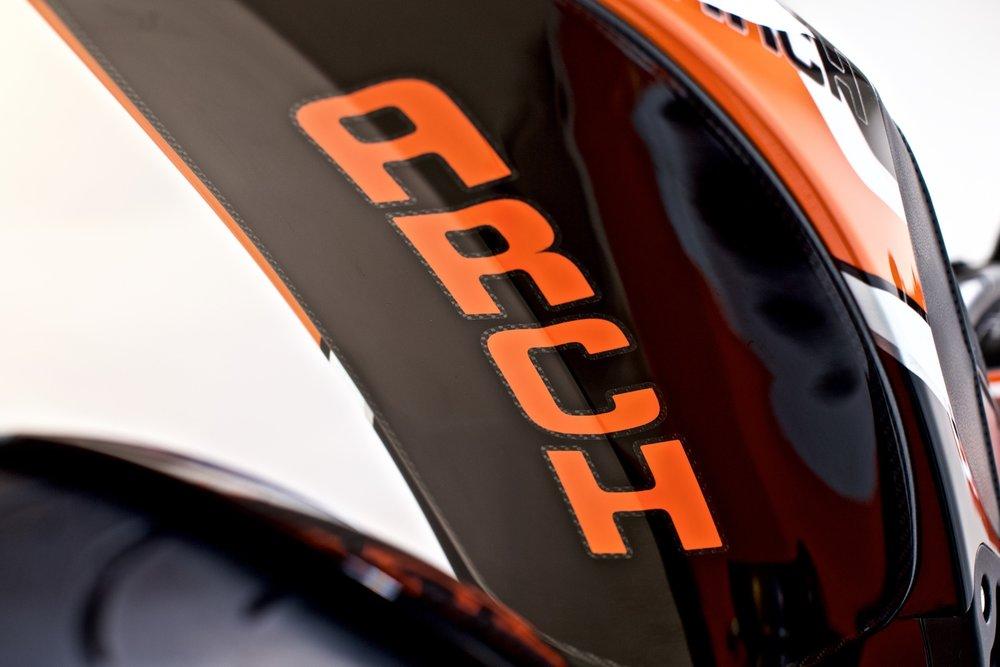 Arch+Orange-Black-White+'16+22_web.jpg