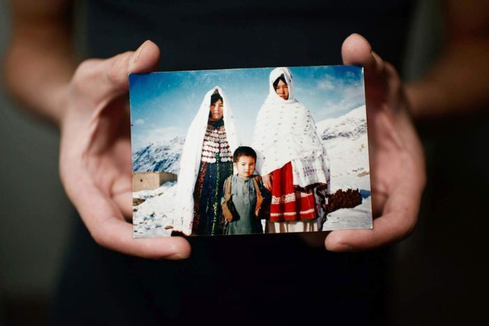 The Age - Beyond Borders: Photographers collaborate with refugees in united formhttp://www.theage.com.au/national/clique/beyond-borders-photographers-collaborate-with-refugees-in-united-form-20150820-gj3upx.html(The same story was also published in the Sydney Morning Herald, the Brisbane Times and Queensland Country Life).