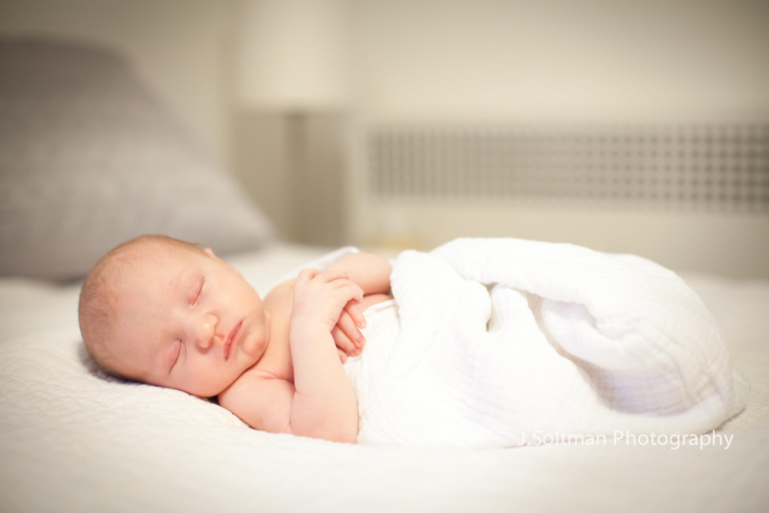 newborn-3079