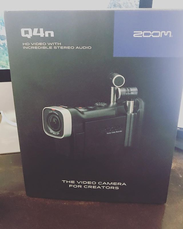Something Slight 😉...#zoomrecorder #audio #producerlife #producer