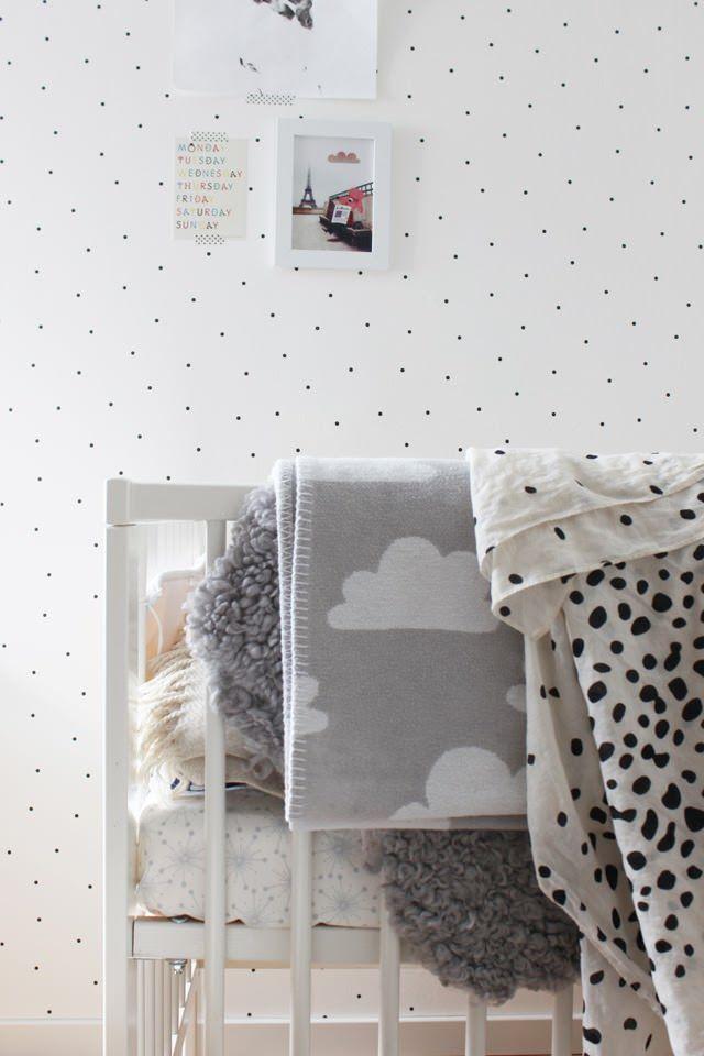 Nursery-Wallpaper-10.jpg