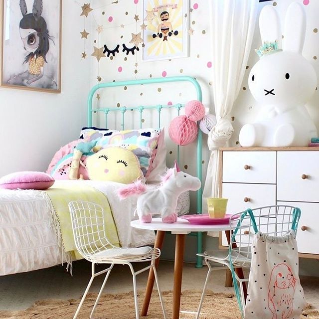 A whimsical + magical little girls room ✨🌈🦄 {📷 @fourcheekymonkeys}