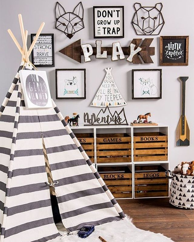 Happy Friday mamas!  This was my most popular pin this week!  The WOODLAND NURSERY is a super popular theme right now, so I put together a shopping list of over 50 items you can mix and match to create a WOODLAND NURSERY like this one 👉🏼head on over to 22crowns.com (link in bio) {📷 @hobbylobby}