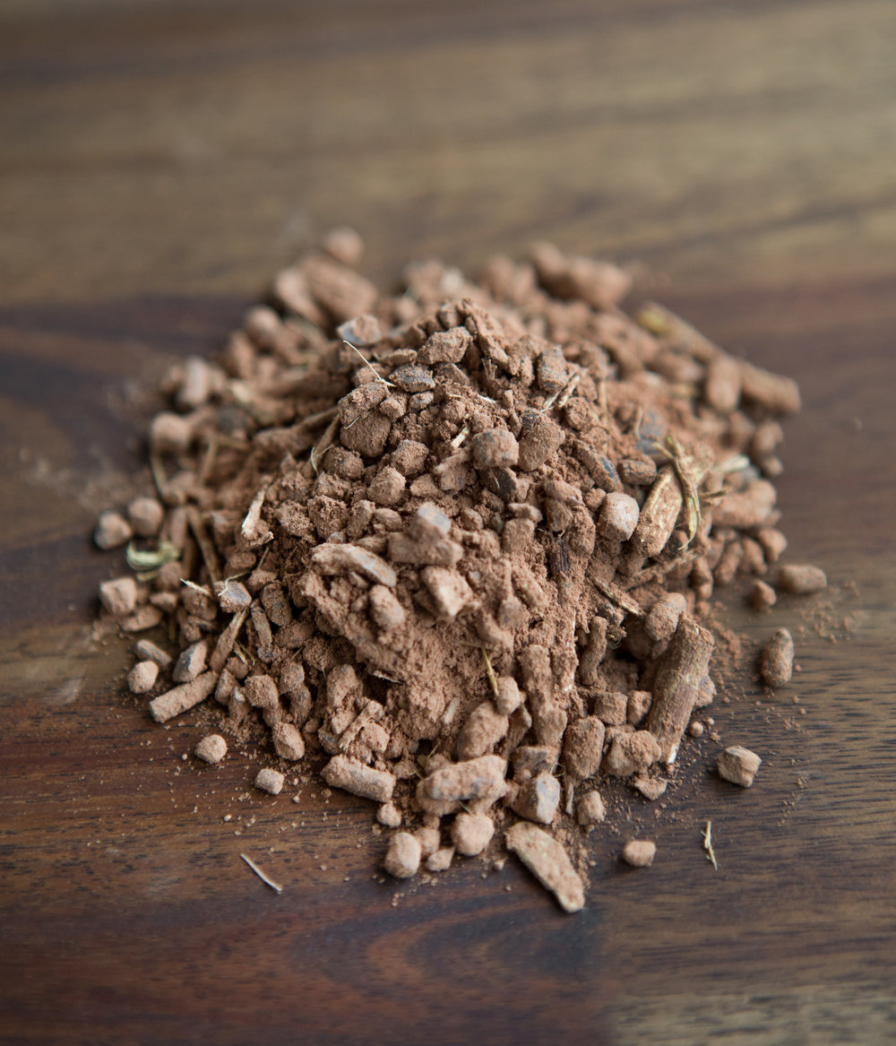 DANDELION CHOCOLATEThis blend is the perfect healthy alternative for all chocolate lovers! It is full of antioxidants, magnesium, and is a relaxant.  All Organic Ingredients: Dandelion root, Cacao nibs, Cacao powder, Cinnamon, Liquorice and Nutmeg. -