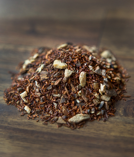 SPICY REDThis spicy yet refreshing blend is to help assist with tension, allergies and digestive problems.  All Organic Ingredients: Rooibos, cinnamon, ginger, cardamom, cloves and cayenne pepper. -
