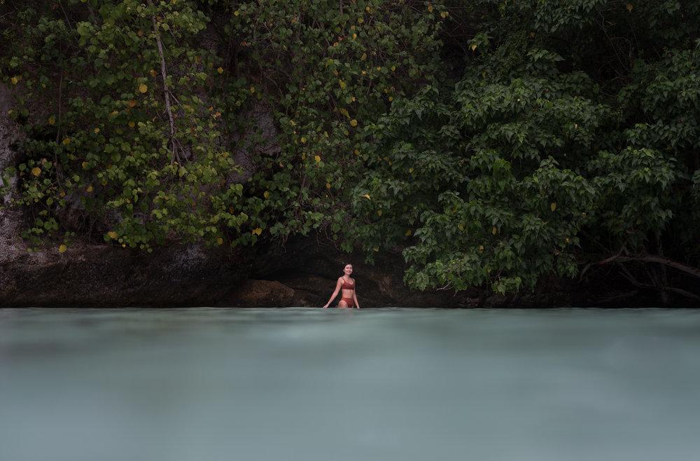 woman-model-branding-photography-tumon-guam-roxanne-augusta-9.jpg
