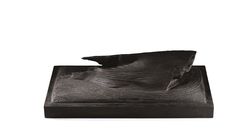 Vague noire —H 16 cm - L 30x50 cm