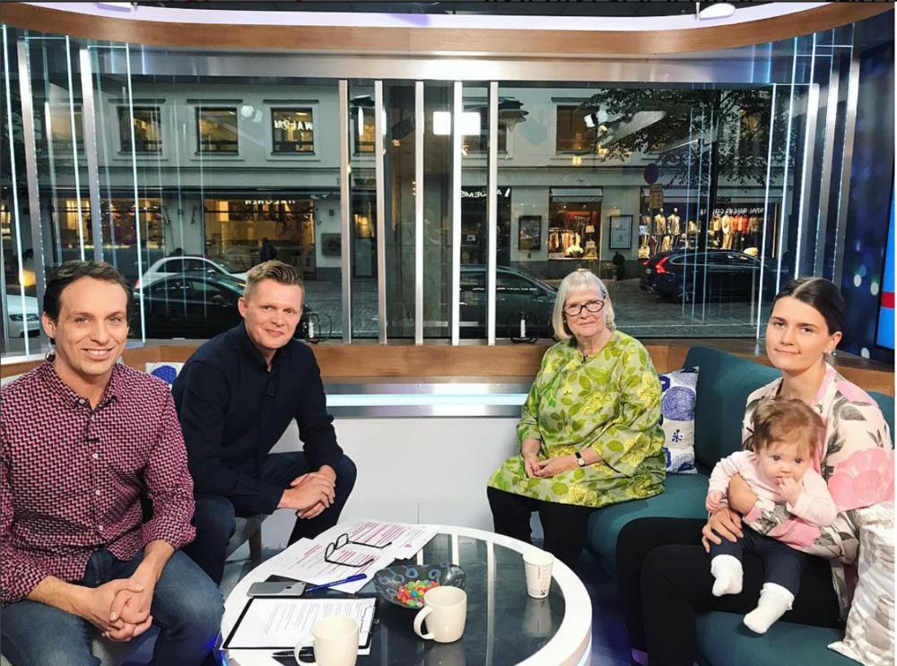 VauvaSuomen pj. Merja-Maaria Turunen ja Viivi vauva olivat yhdessä MTV3 Huomenta Suomi-ohjelmassa aamulla 28.9! - Katso klippi:https://www.katsomo.fi/#!/jakso/820296?toista