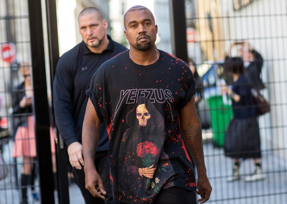 kanye-west-paris-fashion-week-spring-summer-2015-021.jpg