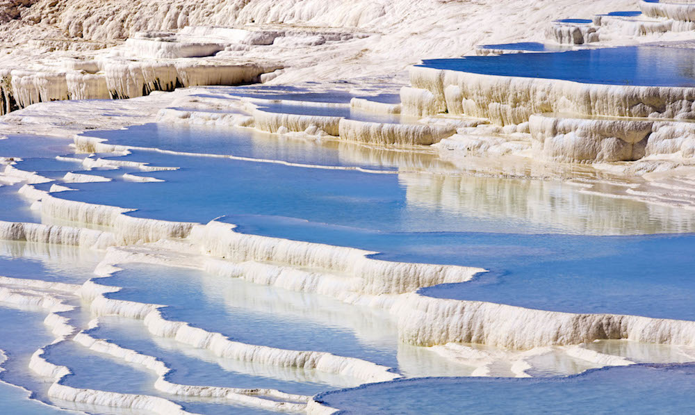 540fc26c17e4b1f634eefa5a_travertine-terraces-pamukkale-turkey-2048-1536.jpg