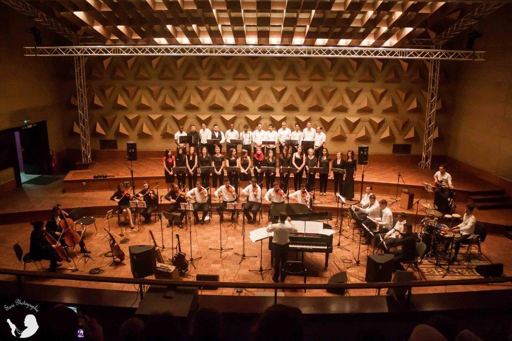 Choeur et orchestre dirigé par Amine Soufari à l'Auditorium de la Radio Algérienne