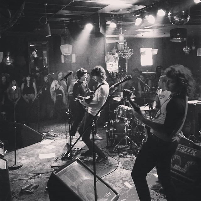 Epic @drunkmums gig at @thenightcat_fitzroy last night for their 'Denim' ep launch.  #drunkmums #thenightcat #gig #gigvr #livemusic #music #musicvideo #musicvideos #360 #vr #virtualreality #360vr #rockphotography #musicphotography