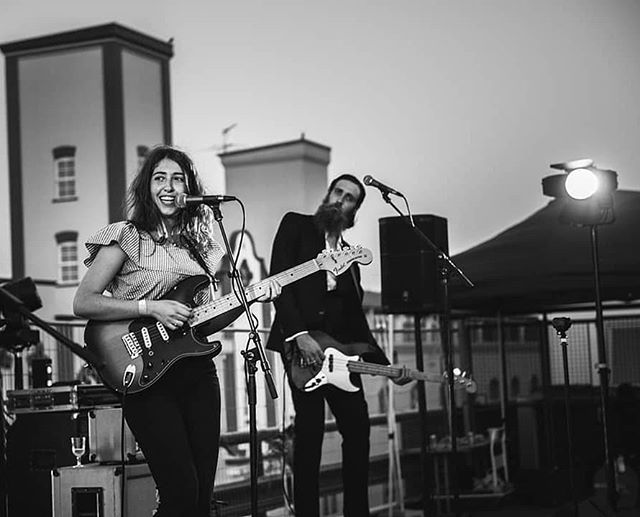 So chill... Flashback to when @gabriellaacohen closed the @4zzzradio rooftop party at Valley Fiesta. #gigvr #4zzz #rooftop #gig #livemusic