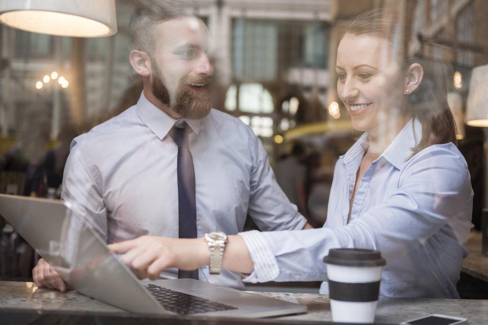 """Vi har behov for dyktige selgere som kan drive oppsøkende virksomhet mot nær sagt alle slags bransjer. Det er aldri vært viktigere med """"ansiktstid"""" ute hos kundene, enn akkurat nå."""