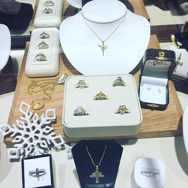 #pughsdesignerjewelers #diamonds#cross#love#diamonds