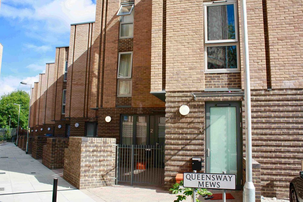 Queensway Mews, Lewisham, London SE6   8 four bedroom family houses for affordable rent built for Affinity Sutton Housing, Mayor of London and Lewisham Council