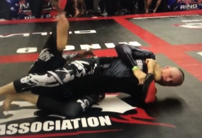 Ralf Warneking hits Kneebar in 23 seconds at NAGA Europeans.