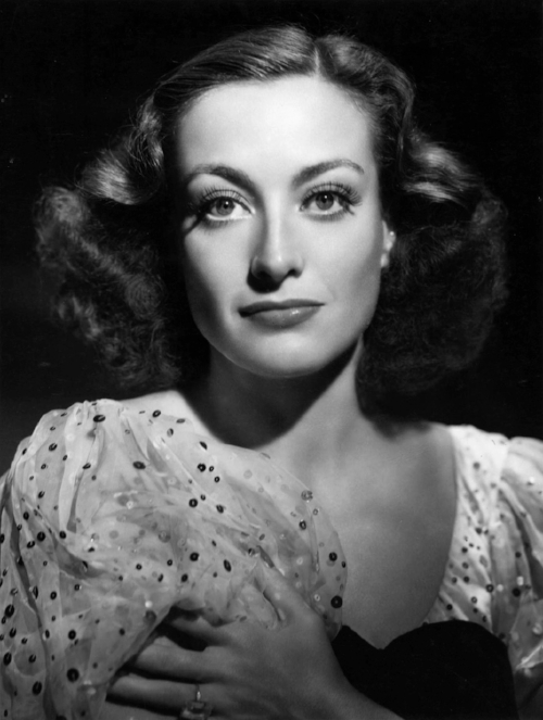 Joan Crawford was considered one of the most beautiful women of her day, joining the ranks of Rita Hayworth, Vivien Leigh, and Greta Garbo. (Photo WikiCommons)