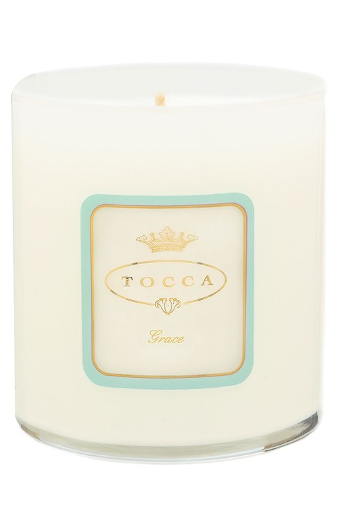Flame of a Princess - A candle that evokes the classic elegance of Grace Kelly. They say that burning scented candles alters your mood, so how better to feel like a royal to be immersed in a scent that evokes a princess. In this case it would be the ultimate princess, Grace Kelly. With the gorgeous scent of a Casablanca Lily, this 10.6 oz candle burns for approximately 60 hours.