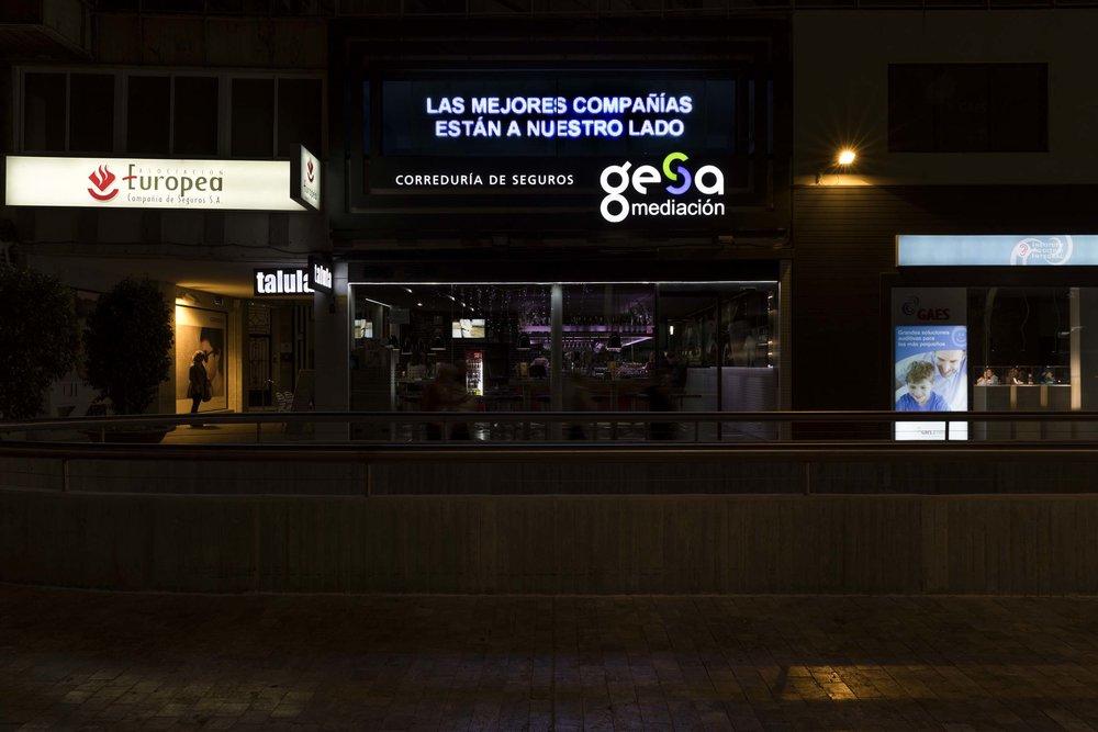 gesa_fachada_noche_02.jpg
