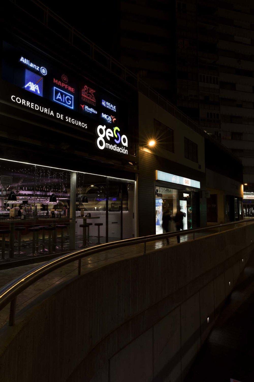 gesa_fachada_noche_05.jpg