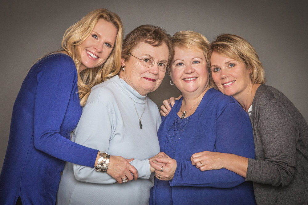 Portrait-Mothers-and-Daughters--sisters-with-mom-hugging-and-laughing-123.jpg