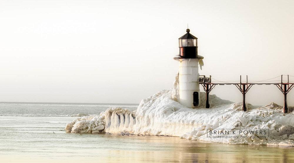 St-Joseph-Michigan-Sliver-Beach-Winter--005.jpg