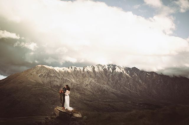 Breathtaking wedding spots just out of this world!  Photography | @dawnthomsonphoto Venue | @nzhighcountry Hair | @beautifulbridalhair Makeup | @jetmakeupartist Florist | @flowerroomqueenstown Dress | @ruedeseinebridal 🥂  #nzwedding #queenstownwedding #brideandgroomnz #weddingdressnz #topweddingspots
