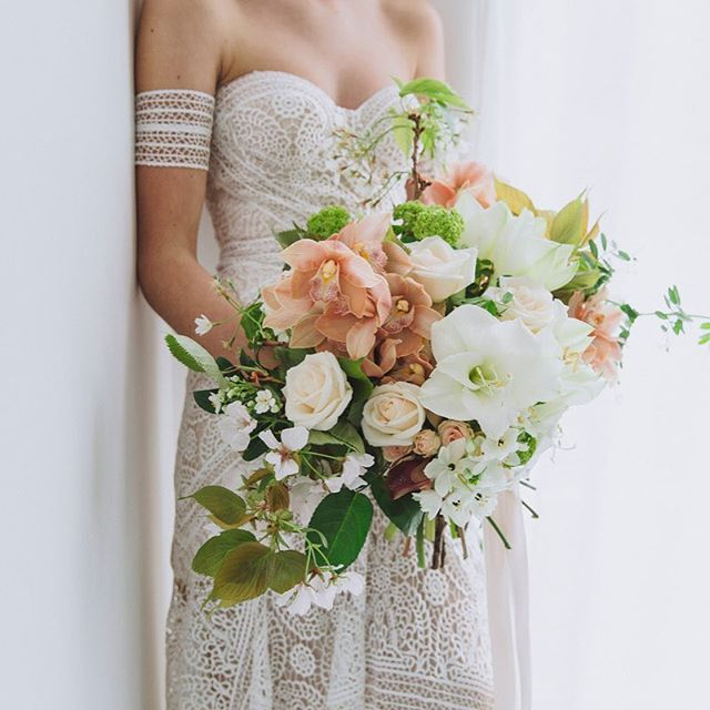 If you are looking for your dream florist in Wellington, check out the talented @twigandarrow #wellingtonwedding #nzwedding #nzflorist #wellington