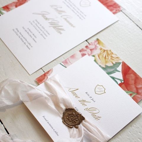 Sometimes it all comes down to the finer details on your big day, we love that @_smittenwithlove can take some of the stress away with their luxe wedding stationary! Can't wait to see new designs coming up 💌 #weddingstationarynz #nzwedding #notebookweddings #graphicdesignnz