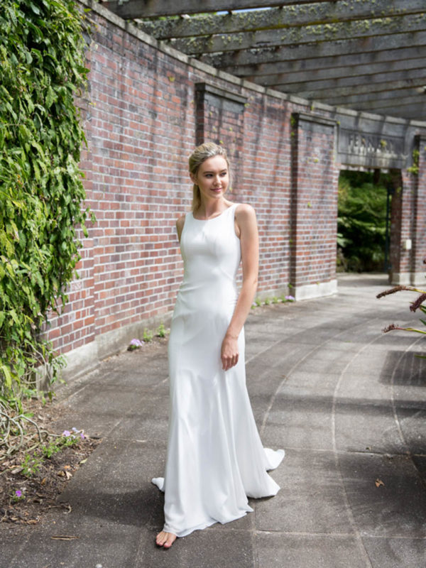 daisy-selects-hazel-wedding-dress-from-novia-brides-in-wanaka-otago-2-600x800.jpg
