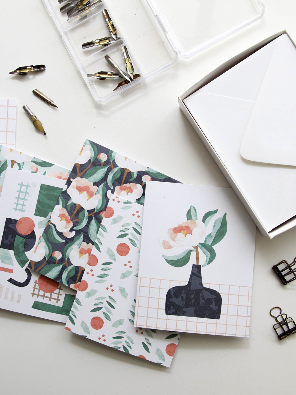 Coral Charm Boxed card Set - Our Limited Edition Coral Charm Boxed Card set features 6 original illustrations. Printed without text to suit any occasion, these notecards are perfect for letter-writing or gift-giving.