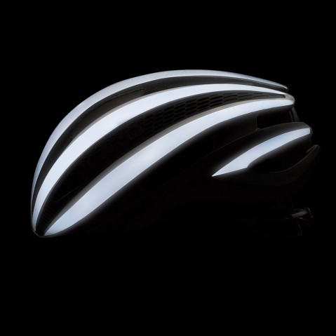 Giro Synthe Black Flash Lit Up.jpg