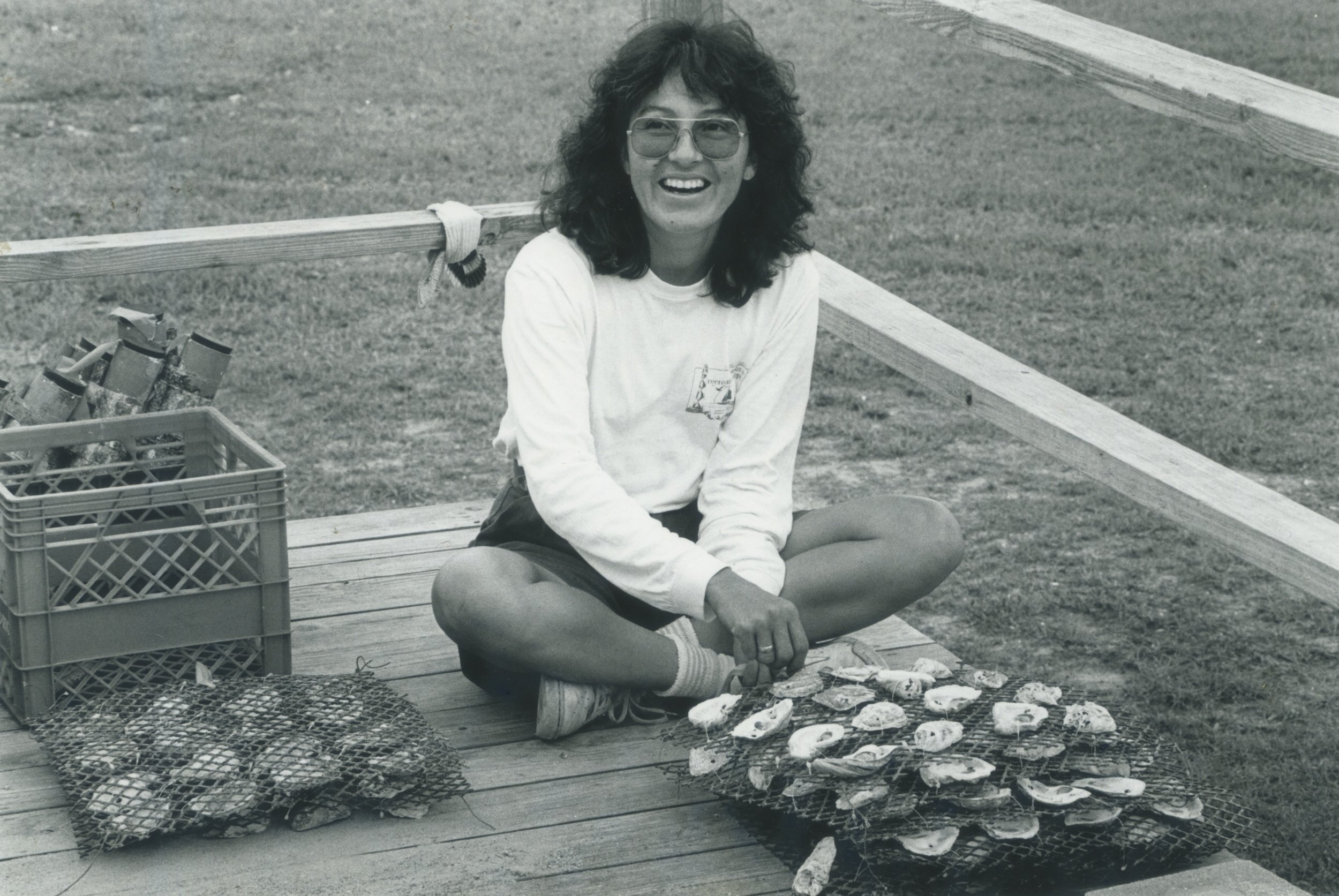 1987 Sonia studying oysters while a postdoc at Duke University.