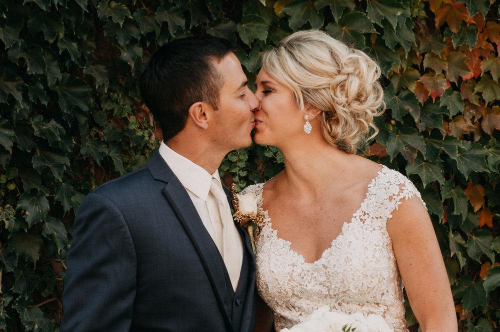 BOOK WEDDING -