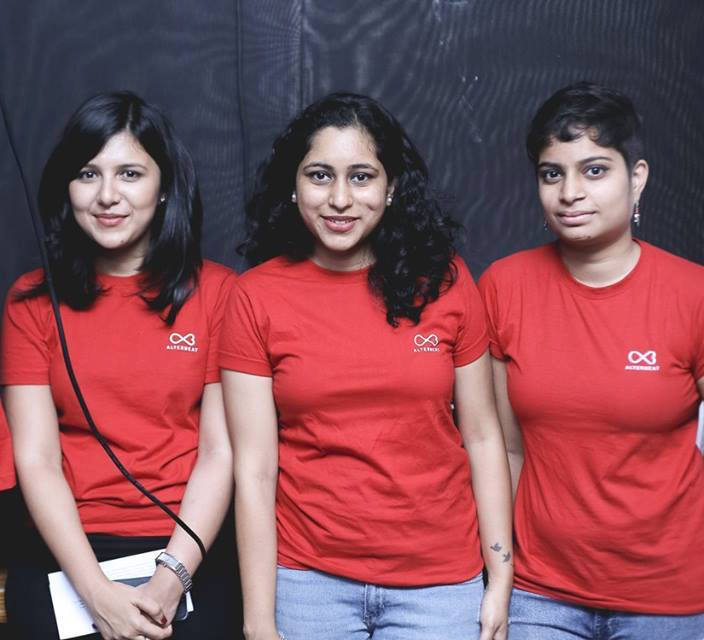 (L - R) Kaavya Gupta (founder & CEO), Neeti Gadgoli (intern) and Meghana Koppala (intern)