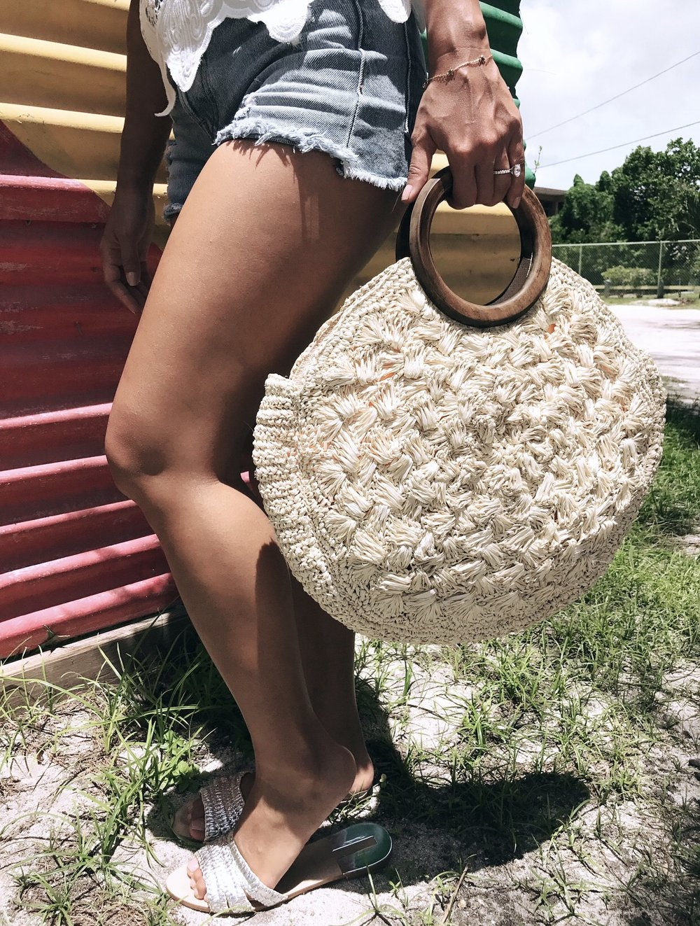 The perfect bag for a tropical island. It isn't bulky but still fits all your girly things!