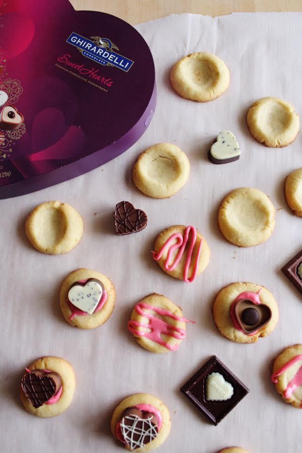 Valentine-Thumbprint-Cookies-With-Chocolate-2.jpg