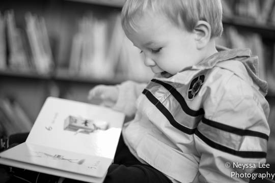 photos in the library, snoqualmie library, toddler boy reading book