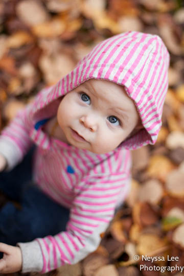 Fall Photo Tips, Snoqualmie Family Photographer, Playing in Leaves Phot