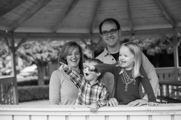 Snoqualmie Family Photographer, Razorbacks Fans, Football Family Photos, Sibling Photography