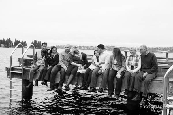 Photos on the dock, Bellevue Extended family photos, maternity photos, Neyssa Lee Photography