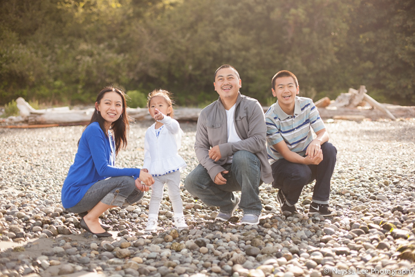 early morning summertime session on the beach, family photos on rocky beach