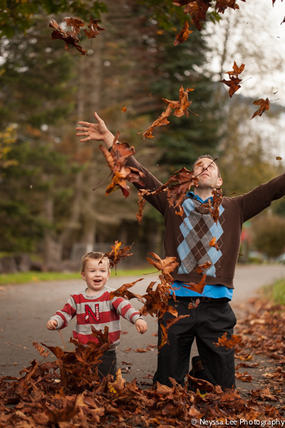 Leaf throwing photo tips, father and son in leaves
