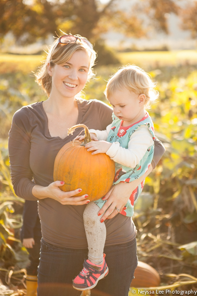 Seven Pumpkin Patch Photo Tips, Mother and daughter with pumpkin